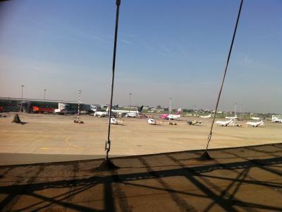 Warszawa- rozbiórka hangaru na lotnisku Okęcie